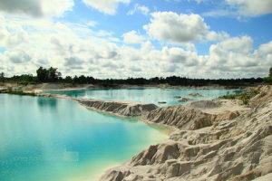 Rute dan Lokasi Danau Kaolin Belitung, Ketika Luka Alam Berubah Jadi Objek Wisata Yang Mempesona