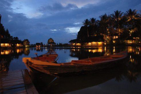Tempat Wisata Alam Kampung Sampireun