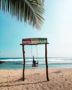Lokasi dan Harga Tiket Masuk Pantai Pasir Panjang Malang, Suguhan Keindahan Pantai Yang Masih Terjaga Keasriannya